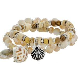 Jewelry - Gorgeous Sea-Shell Necklace